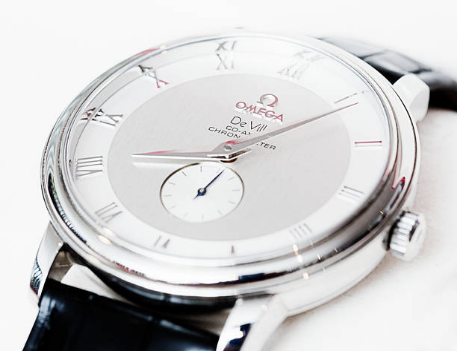 How to Buy Used Omega Women's Watches: 5 Helpful Tips